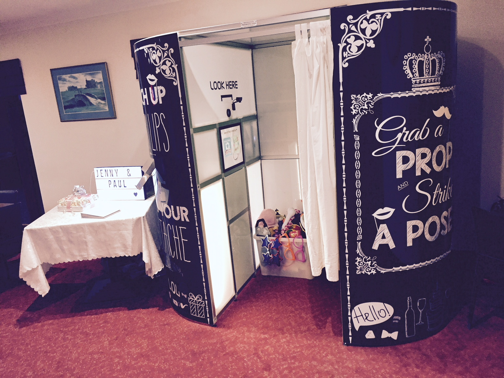 Hire a photo booth (1)