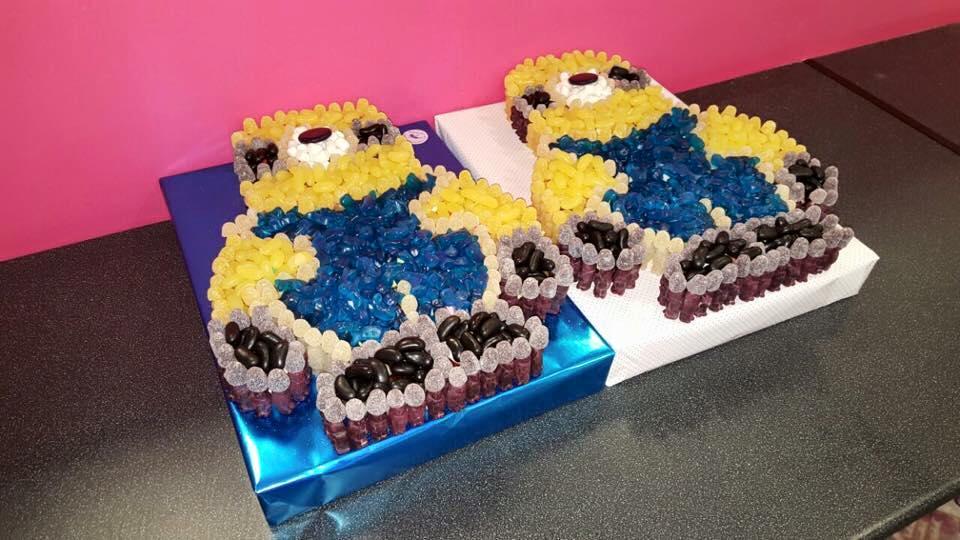 Minions Sweet Cake