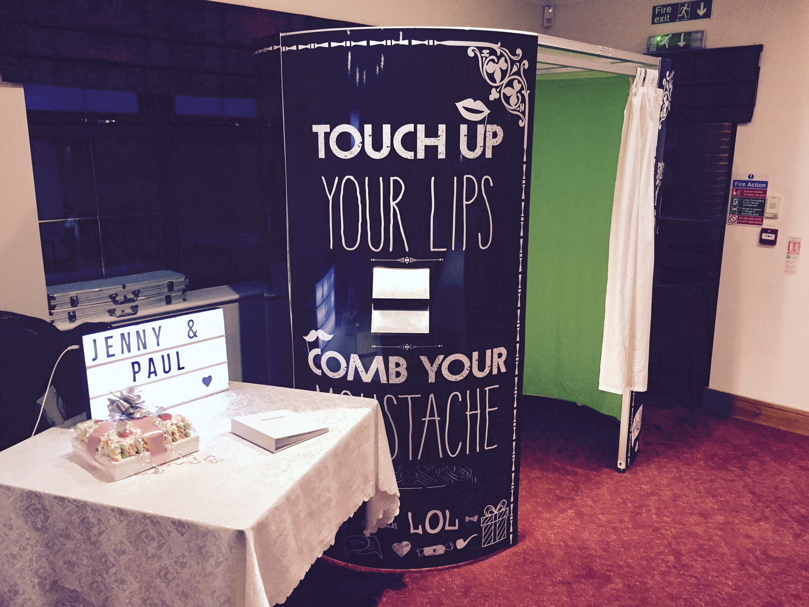 Hire a photo booth (3)