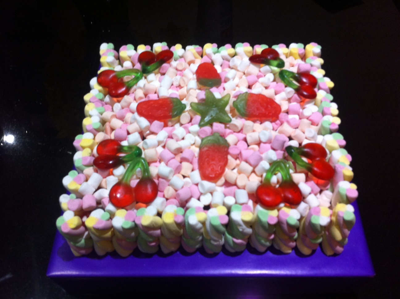 Square Sweet Cake | Dartford Pre-Filled Sweet Cones ...
