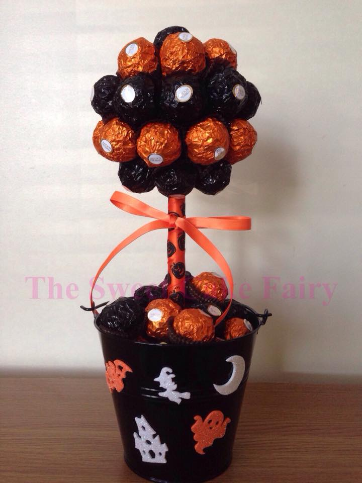 Halloween Cakes Made Of Sweets Call Free 0800 756 5545